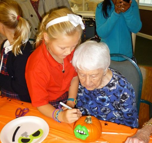 Parents' Club supports the Intergenerational Service Learning Projects with Seniors at the Windsor Senior Living Community. Classes participate in joint activities with the Seniors throughout the school year.
